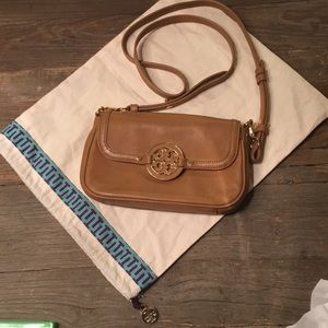 Tory Burch Cross Body and dust-bag. condition!